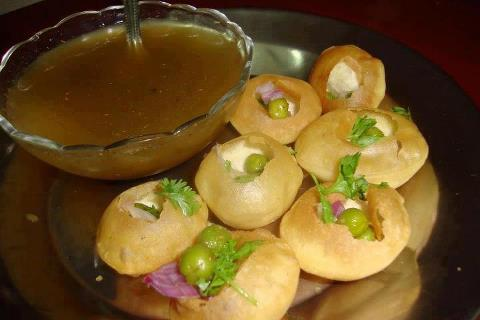Indian Street Food : Golgappa or Pani Puri