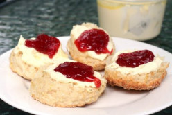 How To Make The World's Best Tea Time Cream Scones & Homemade Clotted Cream