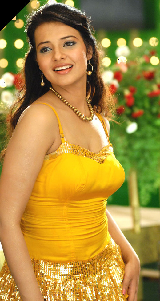 Sexy Indian Actress Saloni Aswani in Yellow Dress