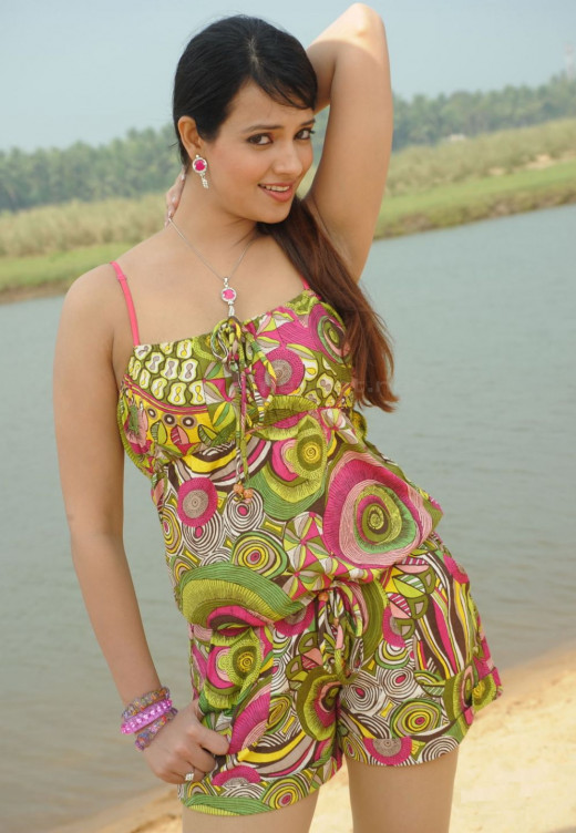 Bathing Beauty Saloni Aswani in Swimsuit
