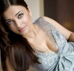 Aishwarya Rai Bachaan Life in Pictures-Miss World 1994 bikini photos,Acting,Marriage Abhishek and aaradhya ! Unseen Pics