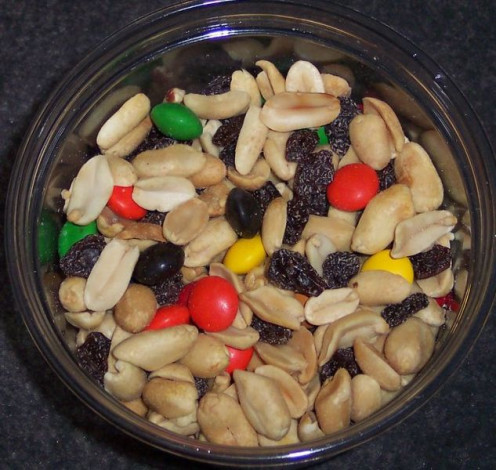 """GORP - """"Good old raisins and peanuts"""" - makes a great snack!"""
