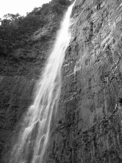 400 foot waterfall on Maui