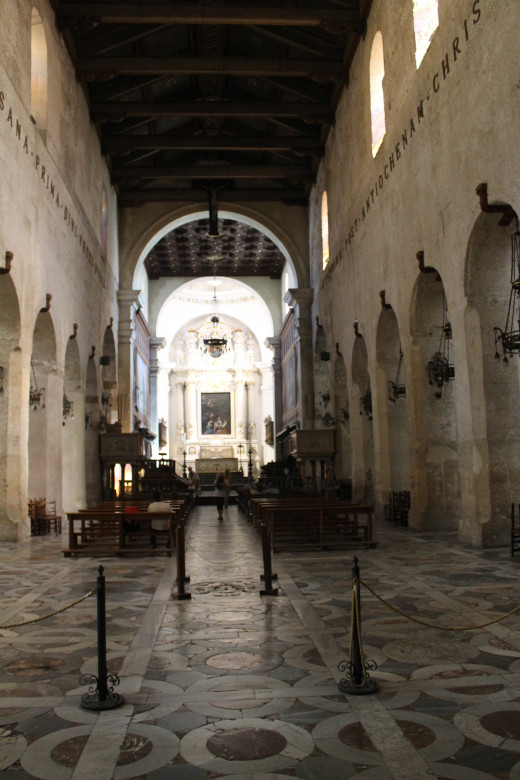 The nave, Syracuse Cathedral, Sicily.