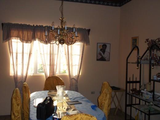 Uncle Noel's Dinning room