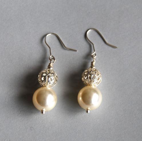 Pearl earrings I made myself!