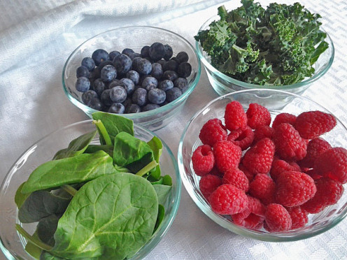 Berries, spinach and kale