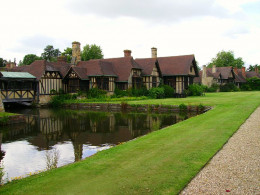 The cottages of Hever Castle, home of Thomas Boleyn