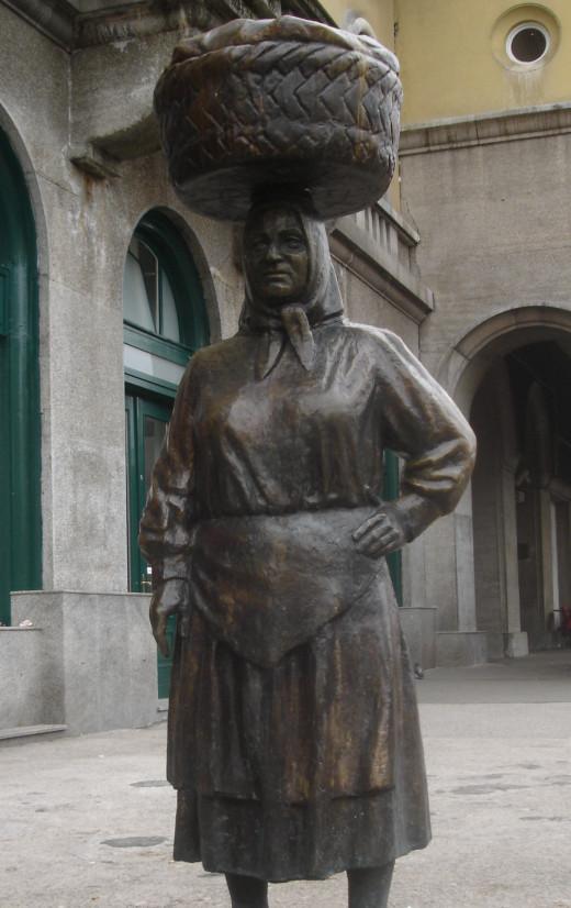 Dolac Market Statue