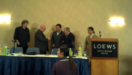 After the business panel ended, they mingled with the audience.
