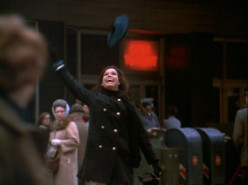 Guest blog by the old lady in the blue scarf standing behind Mary Tyler Moore