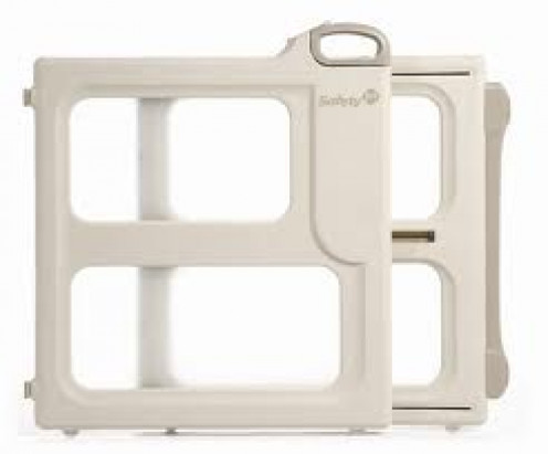 Safety 1st Child & Pet Gate