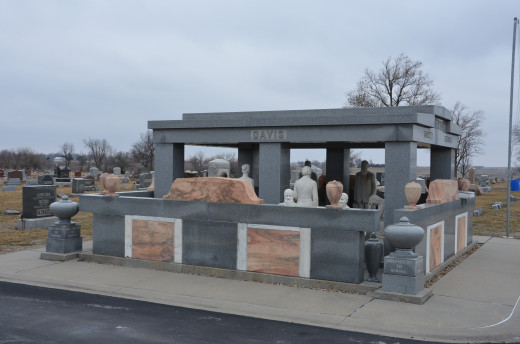 The south view of The Davis Memorial in Hiawatha, Kansas.