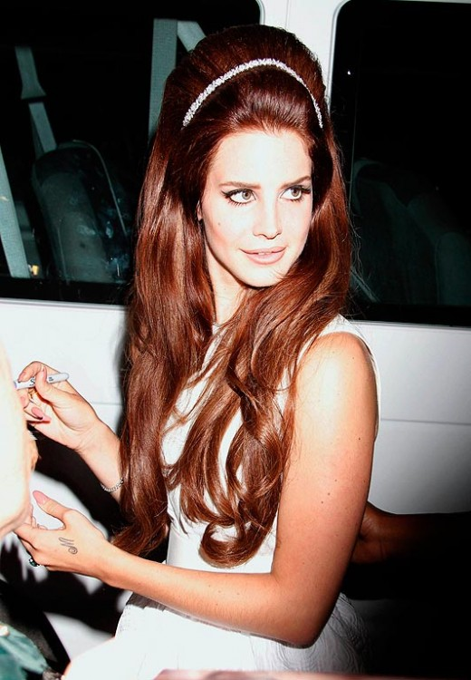 Lana Del Rey with big teased hair