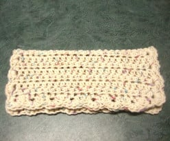 How to Make a Crocheted Dishcloth With Pretty Scalloped Edging
