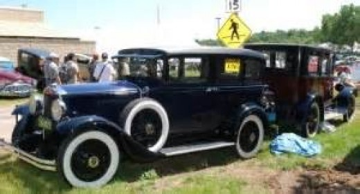 Period cars during Dillinger's time