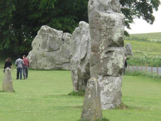 Stone circles - Red Lion Avebury
