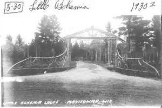 Entrance to Little Bohemia Lodge