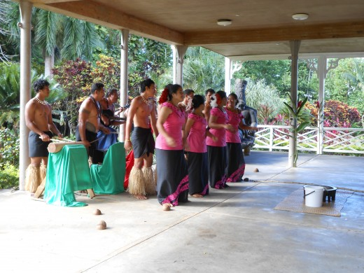 Entertainment at the Vailima tour is provided by native Samoan dancers.