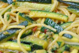 Pasta with zucchini and saffron. Image: © Siu Ling Hui