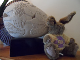 sculpture adds interest with egg shape and another bunny
