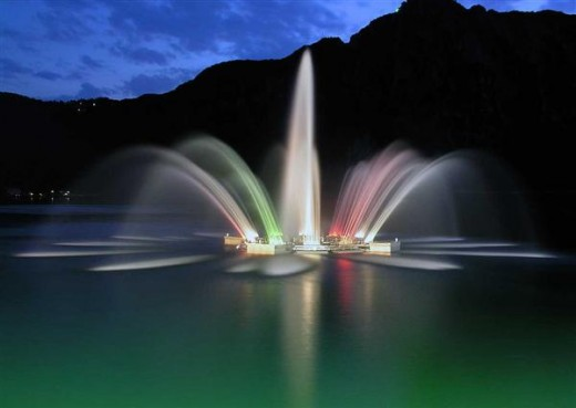 The magnificent fountain in front of the largest casino in Europe