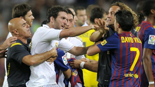 Brawl between Gonzalo Higuaín and David Villa