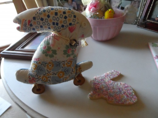 Purchased craft, but easy to sew, add wooden spools and create the chic bunny.