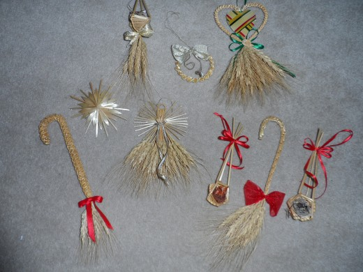 Wheat ornaments I collected over the years, during the fall festival.