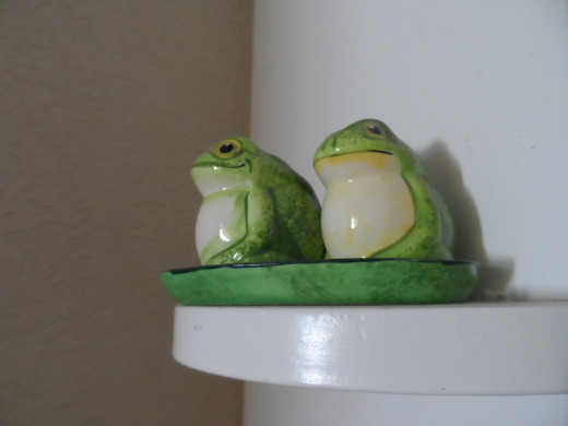 Frogs are spring and summer theme