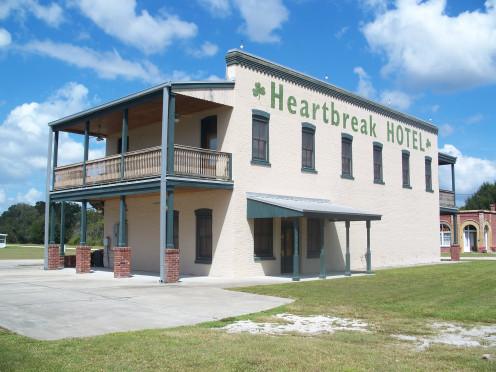 Heartbreak Hotel, by Ebyabe/southcentral