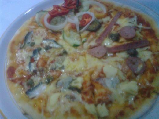 Quattrizza or 4 flavors Pizza
