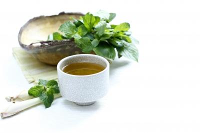 How to make green tea bath bombs.