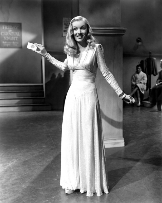 Veronica Lake could also sing!