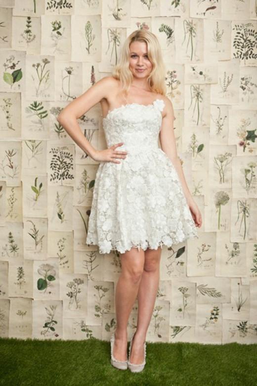 Save Money on Your Wedding Dress