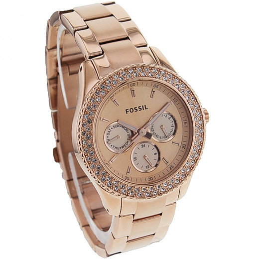 This pretty Rose gold watch has a hint of pink and you will find it hard to take your eyes off it. Rose gold is a hot watch trend for women this year so make sure you do not miss out.