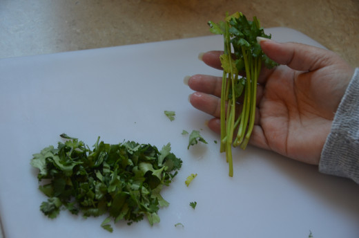 Discard the large stem pieces.