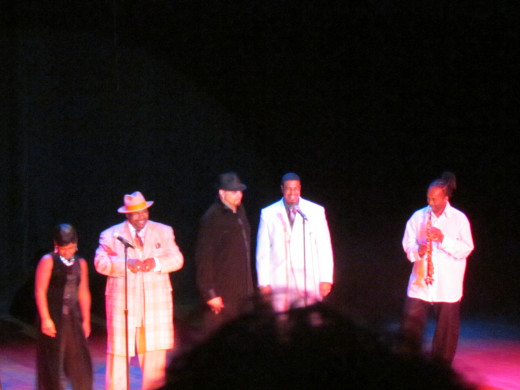 To close the show out, Sinbad invited all the performers on stage to help him sing a song concerning 18 year olds.