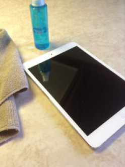 How to install a screen Protector on an iPad or iPod (when you've already messed it up once!)