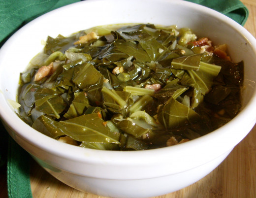 Tangy Hot and Spicy Collard Greens. Bacon, onion, garlic, chili pepper, hot sauce, vinegar, and other spices.