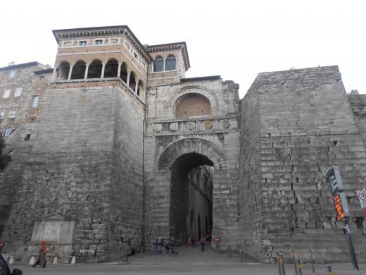 Gate of Augustus, Perugia