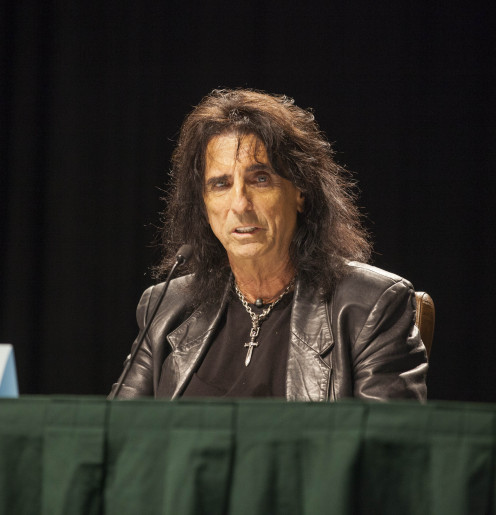 Alice Cooper Talks About His Tour