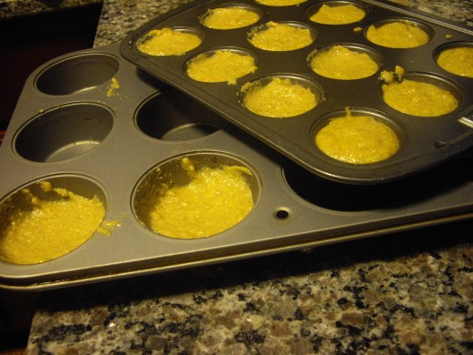 I used two sizes of muffin pans, making 12 mini muffins and 2 full-sized muffins with 1 batch of this recipe