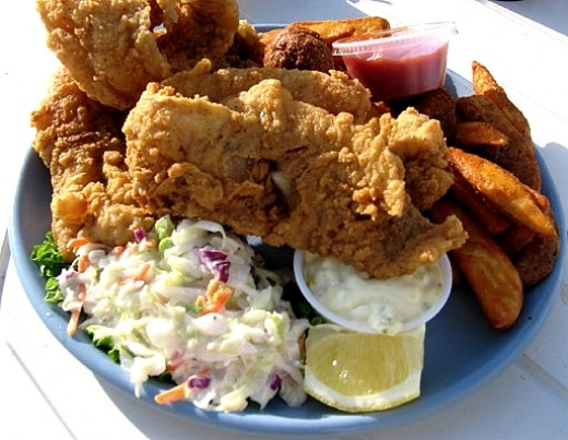Fried fish with homemade coleslaw and tartar sauce - Just Perfect