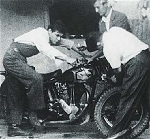Che With Motorcycle