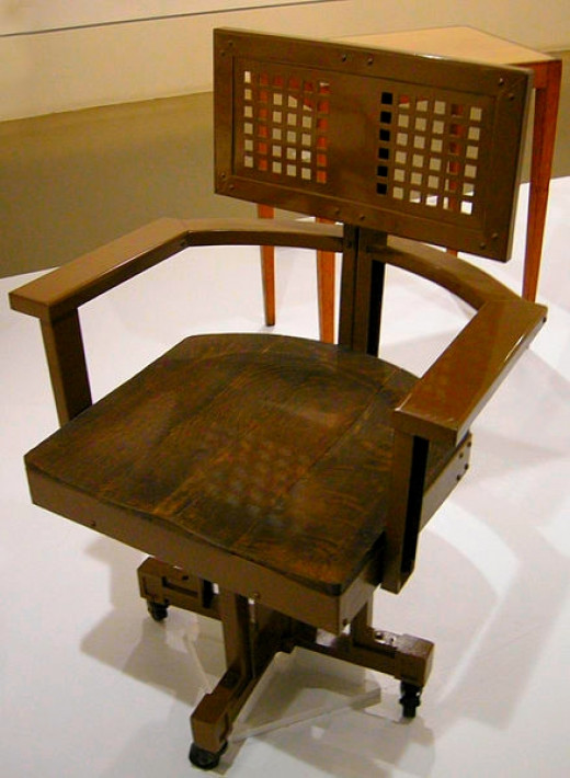 Wooden Office Chair Design, Frank Lloyd Wright, 1904-06