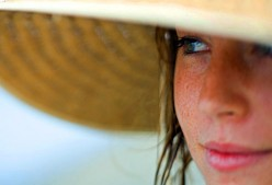 Natural ways to protect your hair from sun damage