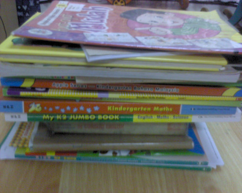 donate your kids' old books to library.