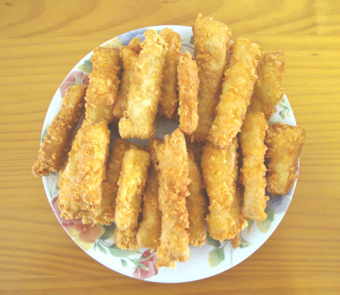 Photo: Crispy Cheese Fry Bread Fingers Ready for Dipping