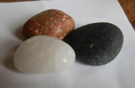 pretty pet rocks